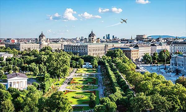 Flyone объявляет полёты в Москву и Санкт-Петербург